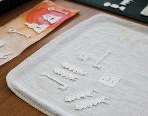 紙漉き作品の写真。